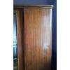 Шкаф деревянный с зеркалом